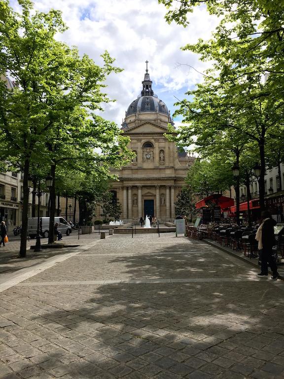 Sous le ciel de Paris 7