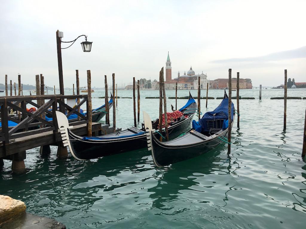 gondola-in-venice